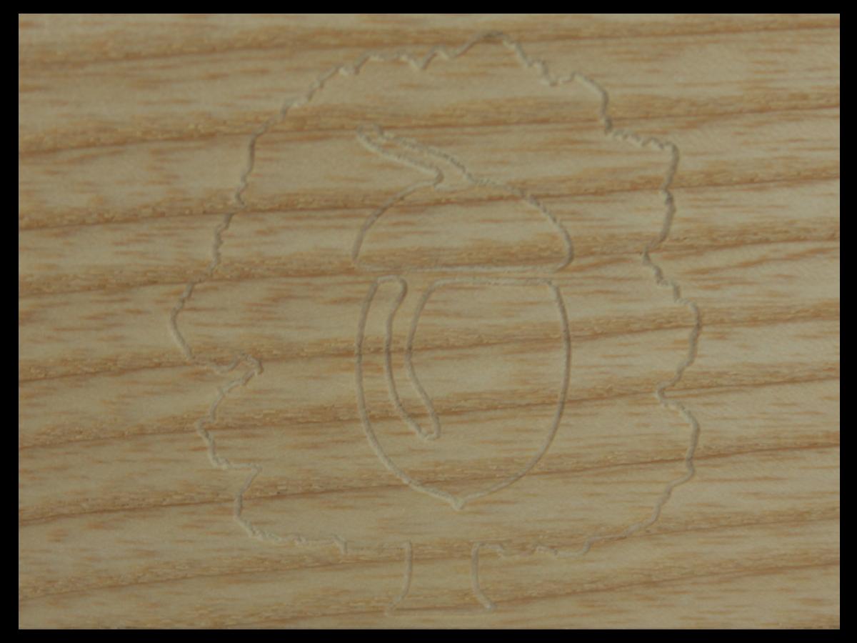 plaque en bois grav petit bois brut fabriquant de meubles et objets en bois massifs. Black Bedroom Furniture Sets. Home Design Ideas